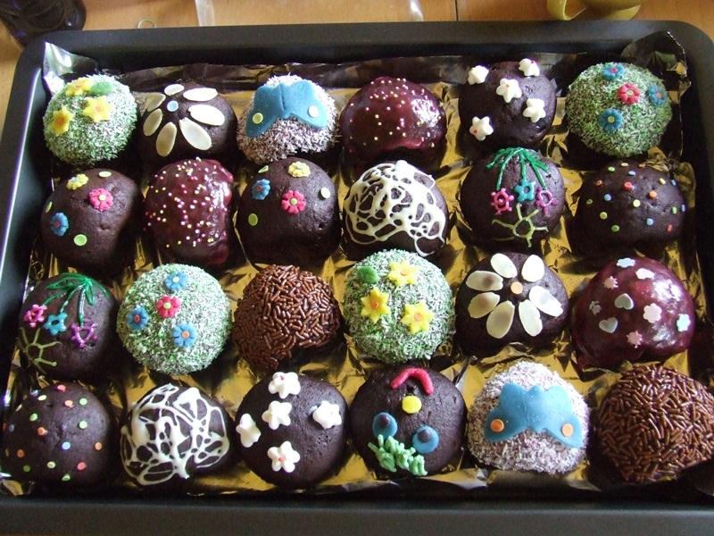 szülinapi sütemény Szülinapi édes ételek   Születésnapi édes sütemények   Szülinapi  szülinapi sütemény